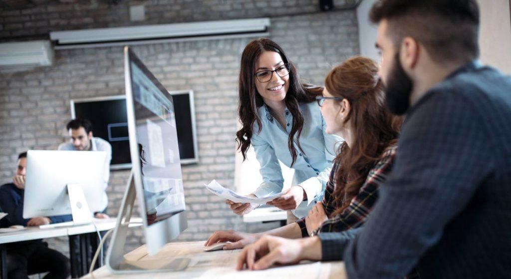Mit der fortschreitenden Technik ist auch die ständige Fortbildung der Lehrpersonen ein wichtiges Thema.