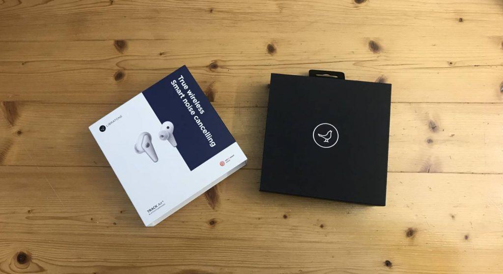 Das Bild zeigt, wie die Kopfhörer TRACK Air+ von Libratone verpackt sind.