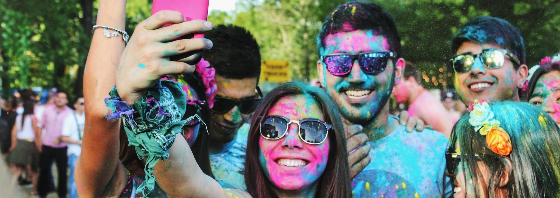 Im Gegensatz zu Gruppen-Selfies können Slofies besondere Momente in einem Bewegtbild festhalten.