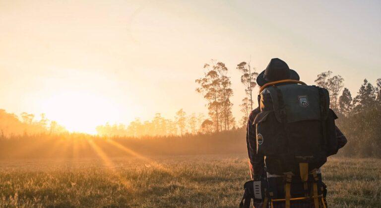 Digitale Nomaden brauchen reise-taugliche Medien zum Arbeiten von Unterwegs.