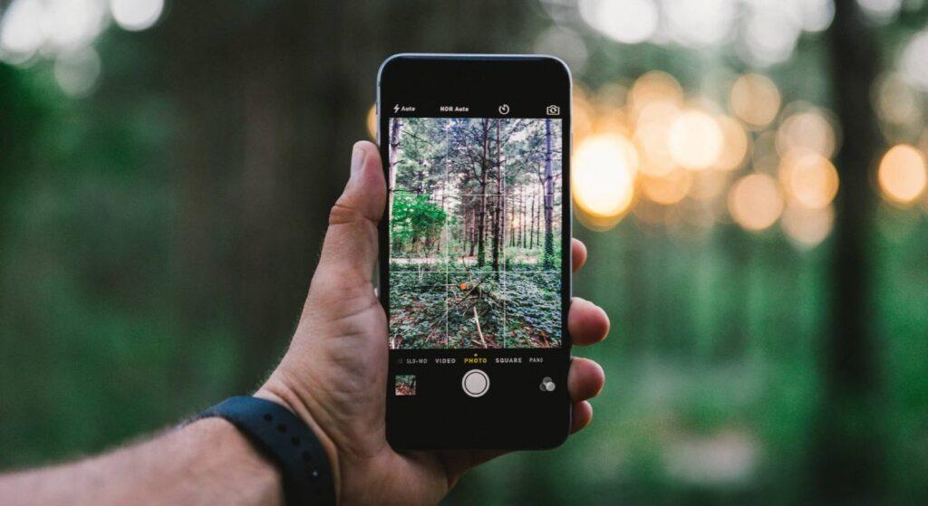 Das iPhone zeigt, wie man Fotos erstellen kann.