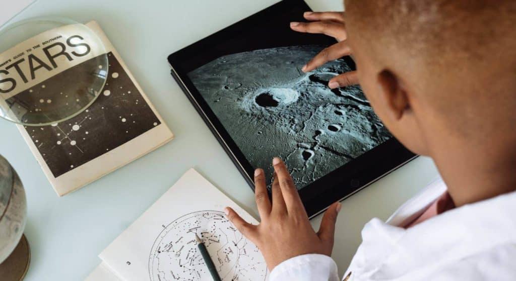 Das Internet bietet Faszination und Nützliches für Kinder